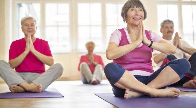 Senior-Yoga